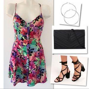 Insight Dresses - Insight floral & flirty first date dress SZ 4